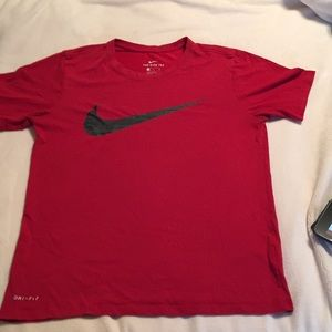 Red Nike Tee men's S small
